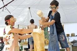 """Beim Ferienprogramm """"Kunst & Krempel"""" können sich Kinder als Handwerker probieren, © © Kultur & Spielraum e.V."""