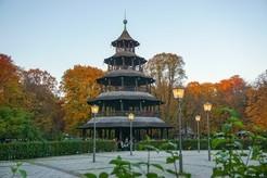 Der Chinesische Turm im Englischen Garten - , © Foto:  Dirk Schiff/Portraitiert.de
