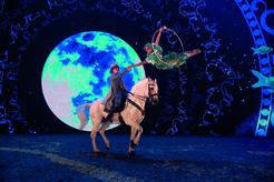 Pferde Akrobatik und wundersame Bühne, © Foto: APASSIONATA