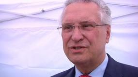 © In einer Talksendung hat sich der Bayerische Innenminister Joachim Herrmann durch seine Wortwahl bei vielen unbeliebt gemacht.