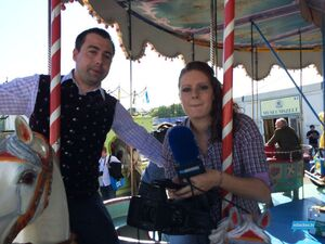 oktoberfest rundgang wiesn anja timo karusell