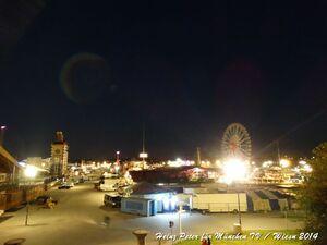 Oktoberfest panoramablick über theresienwiese nachts