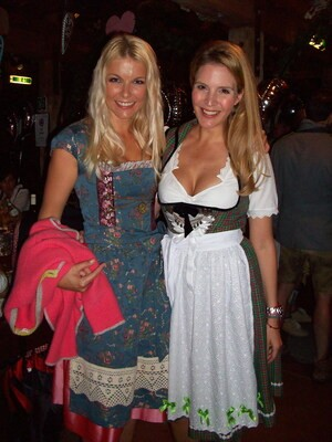 Wiesn Viola Weiss Sportmoderatorin Oktoberfest, © Tina Kaiser mit Sportmoderatorin Viola Weiss
