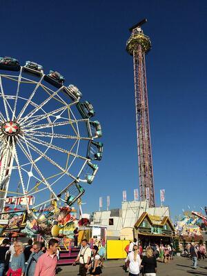 free fall wiesn karusell oktoberrfest
