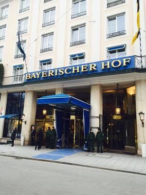 sicherheitskonferenz münchen 2015 polizei vor bayerischer hof