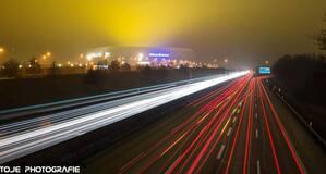 Autobahn mit Blick auf die Münchner Allianz-Arena , © Autobahn mit Blick auf die Münchner Allianz-Arena - Foto: TOJE Photografie
