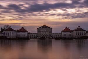 Schloss Nymphenburg in München im Abendrot, © Schloss Nymphenburg in München - Bild: Janusz Lubojansky - Behind the Lens