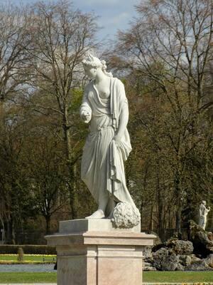 Nymphenburg, Statue, © Auch architektonisch ist in Nymphenburg einiges zu sehen. Bild: Agnes aus München
