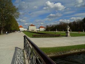 Nymphenburg, © Die Wolken ziehen über das Schloss hinweg. Bild: Agnes aus München
