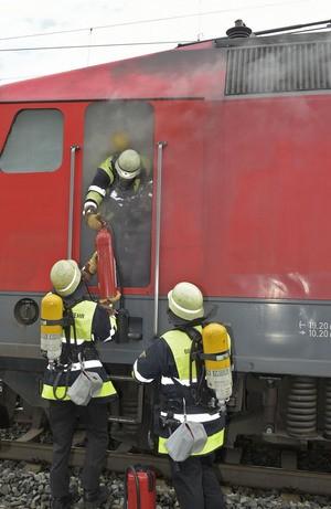 brennenden Lokomotive, © Die qualmende Lok - Einsatzfoto der Berufsfeuerwehr München