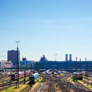 Bahnhof München  Hauptschienennetz, © Blick über den Bahnhof in München - Foto:  Dirk Schiff/Portraitiert.de
