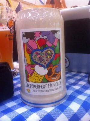 © Aus dem Archiv: Der offizielle Wiesn-Maßkrug zum Oktoberfest 2014