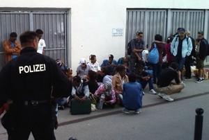 © Die Bundespolizei ist fast nur noch mit Verwaltungsaufgaben wegen den täglich ankommenden Flüchtlingen beschäftigt.  (Bild: Bundespolizei)