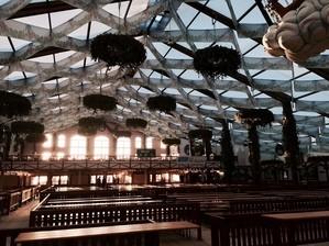 Wiesn Oktoberfest leeres Hofbräu Morgens erster Tag, © Im Festzelt gibt es erst ab dem Anstich Bier.
