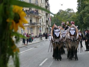 Oktoberfest 2015 Trachtenumzug, © Rico Güttich / München TV