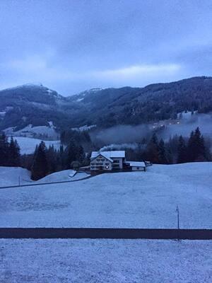 Bergblick mit schnee bedeckt, © Elmar Müller