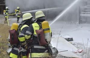 Orleansstrasse feuer Ostbahnhof IHK Feuerwehrmänner, © Foto der Berufsfeuerwehr München