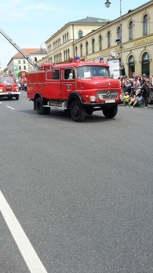 Historisches Löschfahrzeug der Feuerwehr