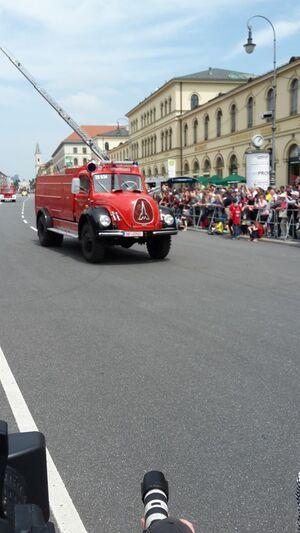 Historisches Feuerwehr-Fahrzeug Drehleiter