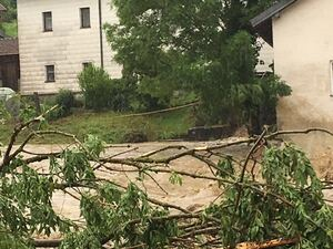 Wassermassen überfluten Ortschaften in Bayern, © Hochwasser in Niederbayern - bei Simbach am Inn - Foto: Y. Elfers