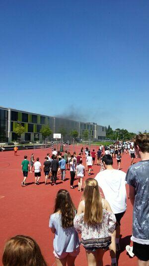 Rauchwolken - Feuer im Gymnasium Trudering
