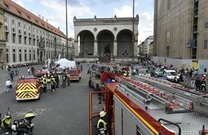 Der Brand an einer U-Bahn löste einen Großeinsatz aus, © Foto: Berufsfeuerwehr München