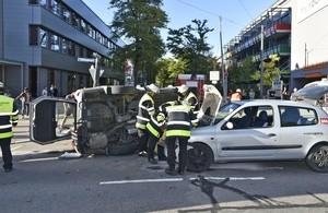 © Unfall in der Chiemgaustraße - Foto: Berufsfeuerwehr München