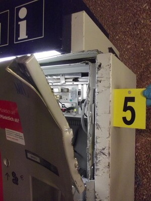 Der aufgebrochene Fahrkartenautomat., © Foto: Bundespolizei