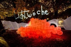 Ein Lightpainting, © Foto: Elane Serafin und Lichtkünstler Ulrich Tausend