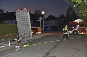 Die Feuerwehr am U-Bahnhof Holzapfelkreuth nach Rauchentwicklung im Einsatz., © Foto: Berufsfeuerwehr München
