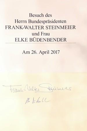 Die Unterschrift Steinmeiers im Goldenen Buch der Stadt München, © Nagy/Presseamt München