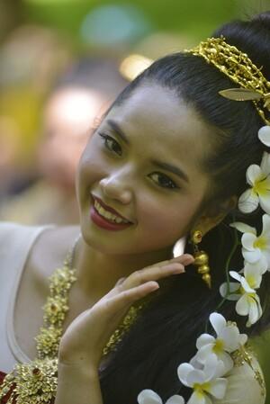 Asiatische Frau auf dem Versakh-Fest, © Fotos: Copyright Hr. Schwalmberger