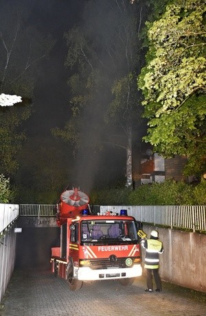 Feuerwehrauto im Einsatz in Tiefgarage, © Foto: Feuerwehr München