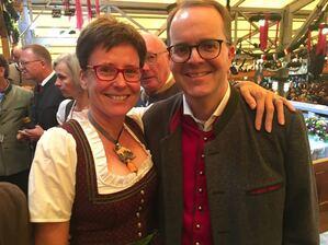 © Claudia Tausend und Markus Rinderspacher auf dem Oktoberfest