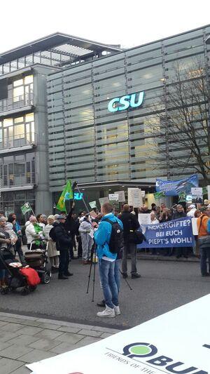 © Protestaktion vor der Münchner CSU-Zentrale gegen Glyphosat