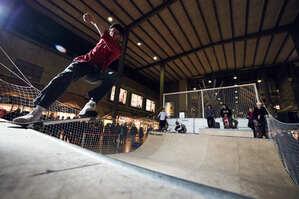 Der Skatebahnhof: Im Münchner Hauptbahnhof wurde eine Miniramp für Skater aufgebaut.