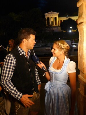 Wiesn, Oktoberfest, München, münchen.tv, Promi, Star, Fanny Fee Werther, © Michael Ballack im Interview
