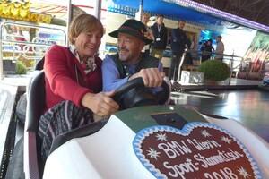 Die Promis feiern auf dem Münchner Oktoberfest, © Rosie Mittermaier und Christian Neureuther