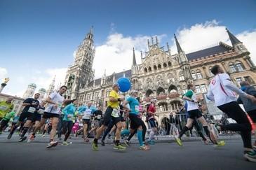 München Marathon Marienplatz, © Foto: MÜNCHEN MARATHON/Wilhelmi