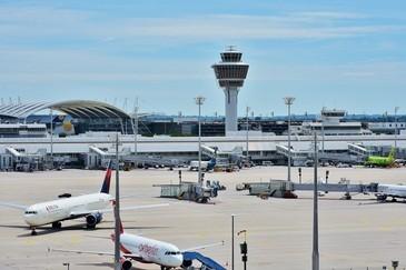 Ein betrunkener Passagier verursachte eine außerplanmäßige Zwischenlandung in München, © Symbolbild