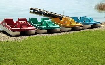 Am Ammersee kann man Tretboote, Elektroboote, Segelboote und Ruderboote mieten., © Symbolbild