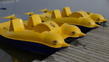 Am Starnberger See kann man Elektro- und Tretboote mieten., © Symbolbild