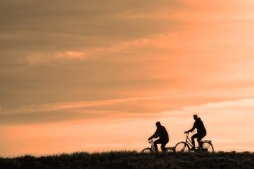 Am Chiemsee kann man Fahrradtouren machen, © Symbolbild