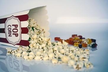 Popcorn und Gummibärchen, © Symbolbild