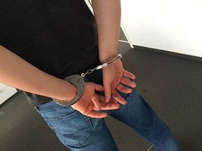 festnahme handschellen, © Symbolfoto