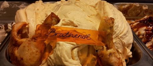 Beim verrückten Eismacher gibt es sogar Brathendl-Eis., © Beim verrückten Eismacher gibt es sogar Brathendl-Eis. Foto: Der verrückte Eismacher