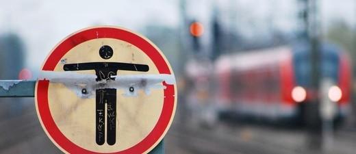 Immer wieder begeben sich Menschen auf die Gleise, © Foto: Bundespolizei