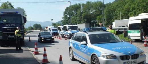 Grenzkontrolle der Bundespolizei am Kranzhorn., © Grenzkontrolle der Bundespolizei am Parkplatz Kranzhorn. Foto: Bundespolizei