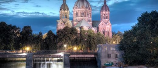 München bei Nacht ist einfach wunderschön., © Foto: Jo Chambers/Fotolia.com