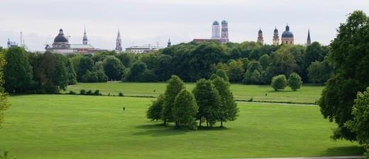 Ausblick auf den Englischen Garten in München